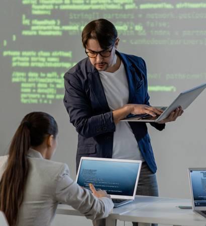 boss and employee - mpiricsoftware.com